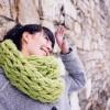 Сплетете шал за само половина час (видео)