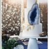 Нов свадбен тренд: Торти со скриени скапоцени камења