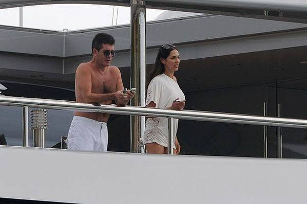 Simon Cowell enjoying his holidays in St Barth's on the yacht 'Slipstream' with some friends-797617