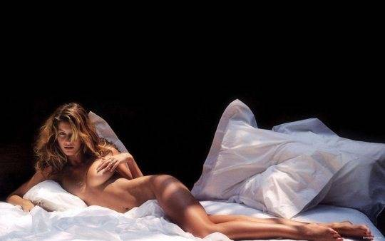 gisele-bundchen-nude-2560x1600-19602