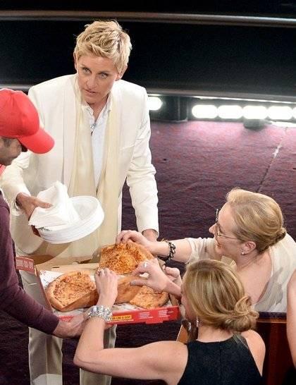 ellen-degeneres-pizza-oscars-2014-getty_GA