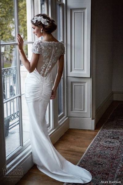 alan-hannah-2014-gwyneth-wedding-dress-back-swarovski-crystal-beadwork