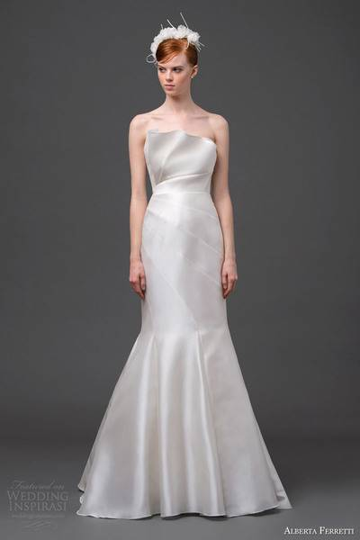 alberta-ferretti-bridal-2015-strapless-wedding-dress-cassiopeia-crumbcatcher-neckline