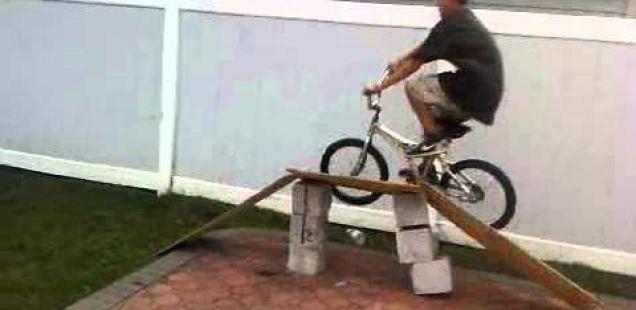 Е вака се прави салто од точак:)