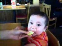 Слатко кисело бебенце:)