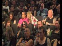 Чудна публика во киново:)