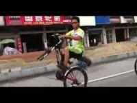 Му фали пола точак ама не му ни треба:))