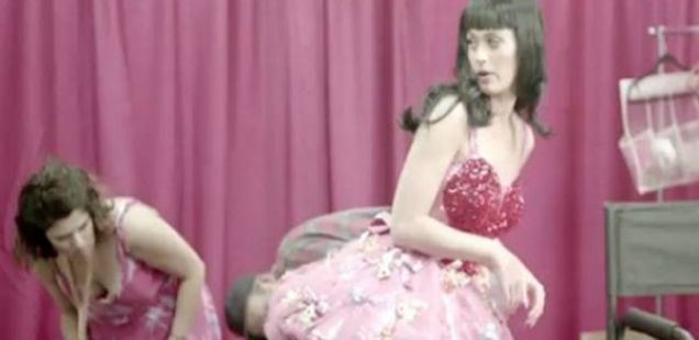 Кети Пери го издаде концертното видео од својата турнеја!