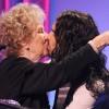 Кети не гледај! Расел бакнува старки од возбуда:)