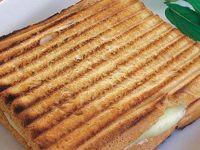 Омилениот сендвич на Елвис Присли