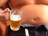 Мажите се по загрижени поради пивското стомаче