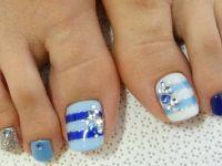 Шарени ноктиња за летните сандали