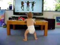 Ова бебе е најголем обожавател на Бијонсе! Погледнете