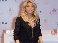 Шакира во Париз го представи својот нов парфем