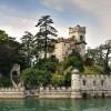 Малиот остров Лорен и неговиот замок