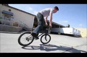 Спектакуларно: Најлудите BMX трикови кој сте ги виделе