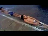 Воден тобоган на бразилски начин:-)