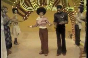"""Хит на денот: Еве како да играте на песната """"Get Lucky"""""""