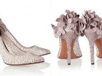 Симпатични и кокетни: Обувките на Bruno Magli