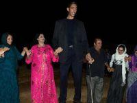 Се ожени највисокиот човек: Висок е 2,52 метри