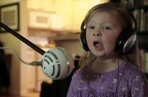 Кога мали девојчиња препејуваат песна од цртанот Frozen