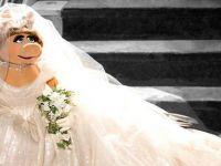 Вивиен Вествуд дизајнираше венчаница за Гица Прасица