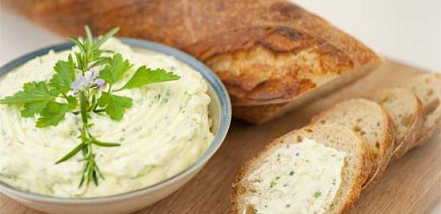 Вкусен потер од лук со сирење!