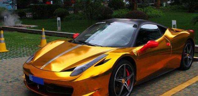 Ферари 458 – Во златно издание (Видео)
