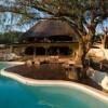 Неверојатна вила во Африка, изградена од природни материјали