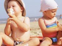 Како да го заштитите вашето бебе од сонцето