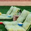 Направете сами столчиња за гледање филм во двор