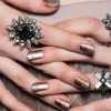 Тренди нокти : метални нијанси