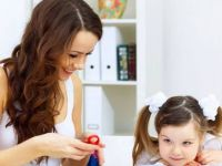 Направете го овој тест и дознајте каква мајка сте