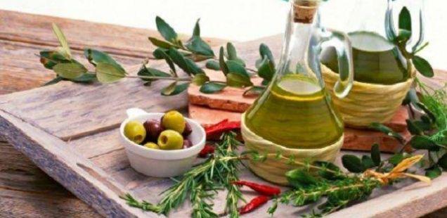 Од утре конзумирајте по една лажица маслиново масло: Четирите ефекти ќе ве воодушеват уште првиот ден