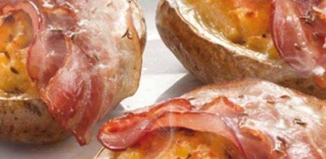 Највкусните печени компири со сланина