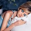 Што се случува со лицето кога ќе заспиете со шминка?