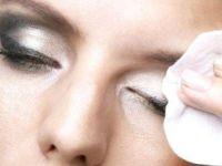 Направете сами средство за отстранување на шминка