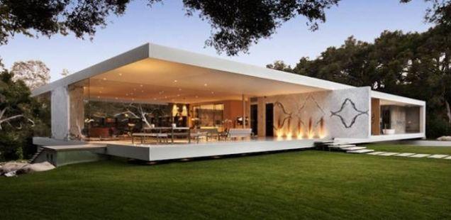 Целосно стаклен дом