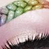 Ни пристигна новиот тренд во шминкањето: Веѓи како плетенки