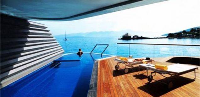 Луксузен јахтинг клуб за уживање на Крит