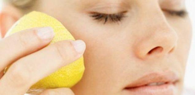 Маска со лимон за стегната кожа