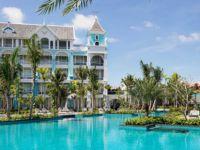 Летен рај: Одморалиште со базен во облик на школка