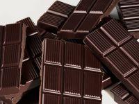 Три реда чоколадо месечно го намалува ризикот од срцеви заболувања