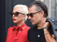 Лејди Гага, сексапилна и елегантна