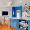 Кујните од INSTAGRAM во кои ќе се заљубите: сина кујна – боја која е во тренд