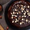 Кралски вкус: Направете ja оваa торта, комбинацијата од чоколадo и урми ќе ве фасцинира!