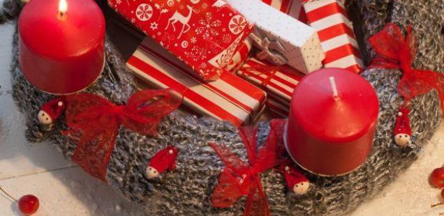 Најубавите празнични ВЕНЧИЊА: како да направите венец за новогодишната маса?