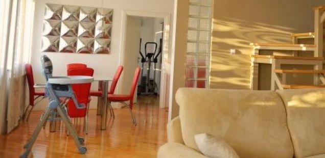Kако да уредите стан од 45 квадратни метри за три генерации?