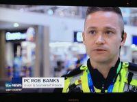 Полицаецот стана интернет-сензација!