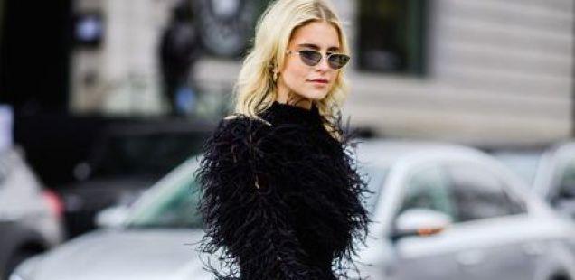 """Ново толкување на """"Little Black Dress"""" во Њујорк."""